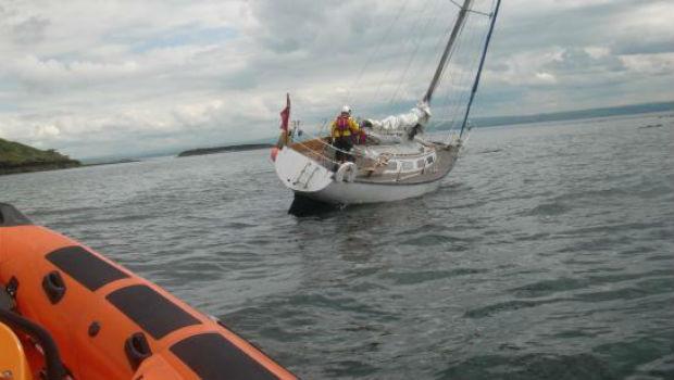 rnli-kinghorn-yacht